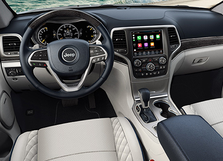 2018 Jeep Grand Cherokee Interior & Smart Technology