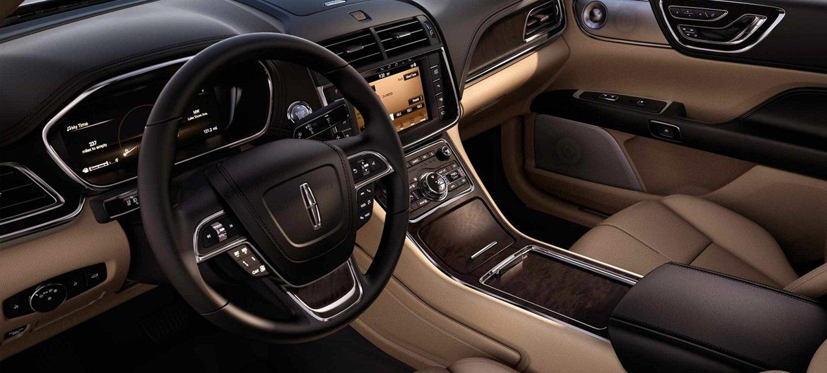 2018 Lincoln Continental Interior & Technology